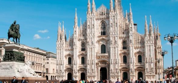Vagas em Milão. Foto reprodução: EasyJet.