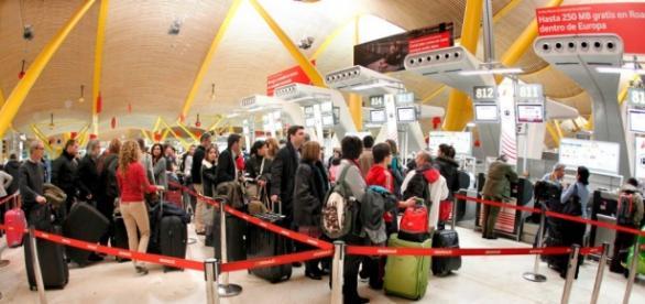Españoles emigrando en imagen de archivo