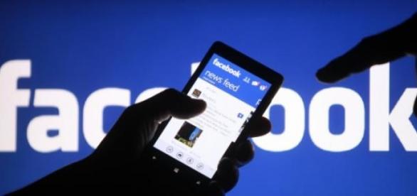 Facebook avertizează asupra activitӑților suspecte