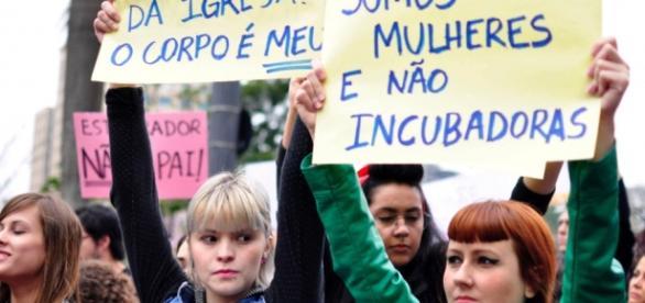 Projeto quer dificultar o aborto no Brasil