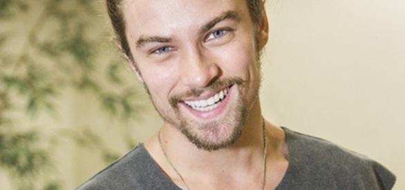 Raphael Sander viveu Léo em 'Verdades Secretas'