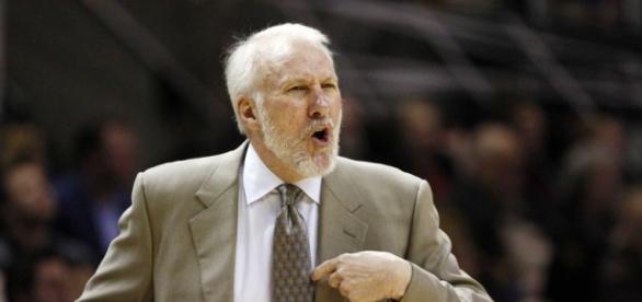 Popovich en un partido con los Spurs