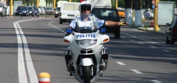 Ancheta în cazul polițistului continuă