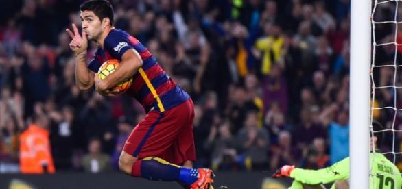 Suárez hace un hat-trick y salva al Barça.