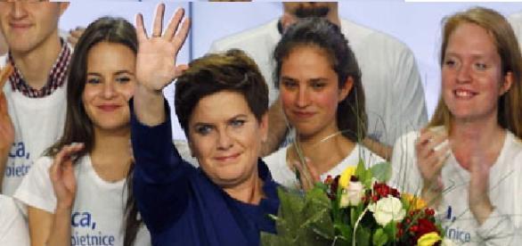 """Beata Szydlo: """"Hemos ganado gracias al pueblo"""""""