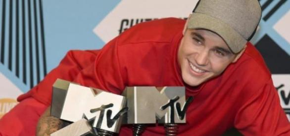 Justin Bieber arrecadou seis prémios de sete.
