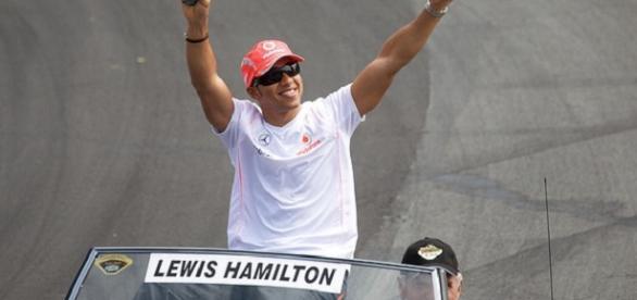 Third world drivers' championship for Hamilton