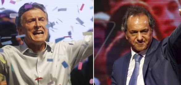 A la izquierda Macri y a la derecha Scioli