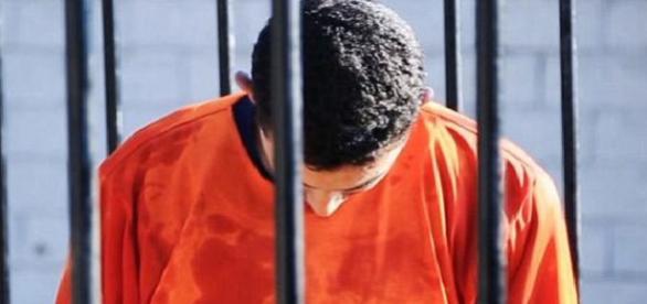 Estado islâmico mostrou nova execussão.