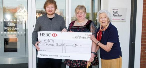 Ed Sheeran hat 500 Pfund an EACH gespendet