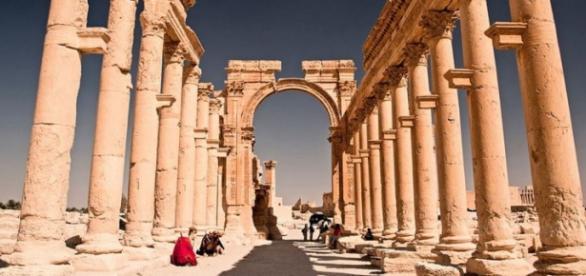 Estado Islámico atacó en las columnas de Palmira.