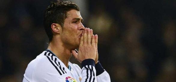 Cristiano Ronaldo chorou com frase sobre o pai.
