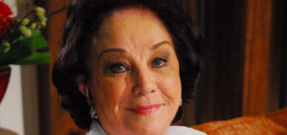 Lolita Rodrigues quase não anda e desabafa