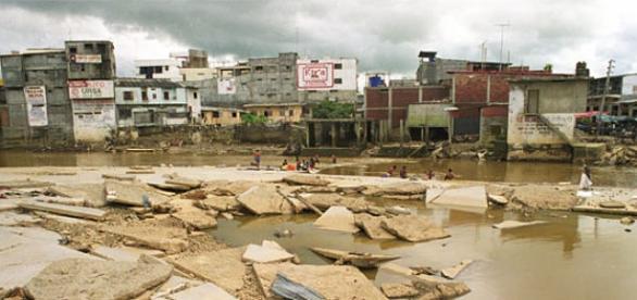"""Devastadores efectos de """"El Niño"""" en Perú"""