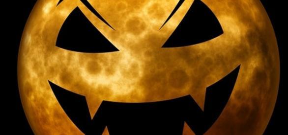Halloween-ul se celebrează la data de 31 octombrie