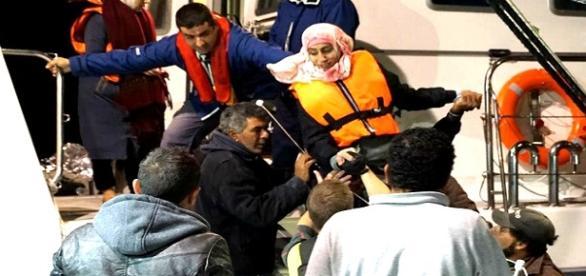 Morre por afogamento 22 pessoas no mar Egeu