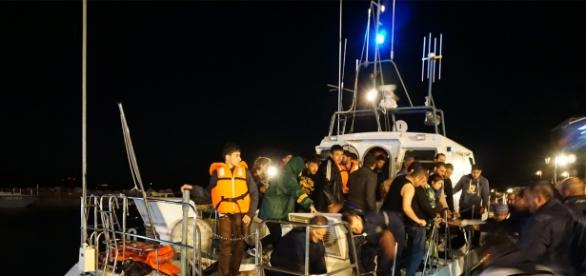 resgate dos refugiados no naufrágio.