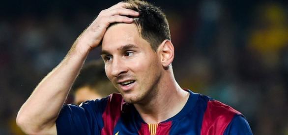 Lionel Messi foi muito criticado por Pelé.