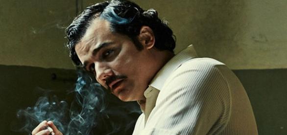 Wagner Moura vive o traficante Pablo Escobar