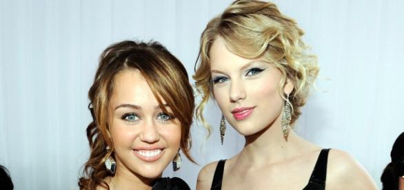 As duas cantoras têm-se atacado.