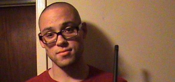 Em entrevista, pai do atirador pede desculpas.
