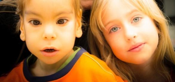 Eidher, junto a su hermana, Indhira