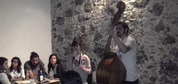 Jenny y Benjamín tocaron temas propios y clásicos