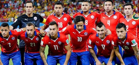 Seleção chilena em partida da Copa de 2014