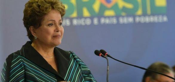 'Vejo uma luz no fim do túnel', diz Dilma