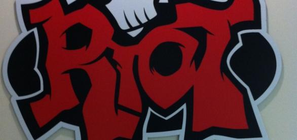 Logo de la oficina de Riot Games de Santa Mónica