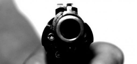 Homicida disparou 5 tiros sobre o peito.