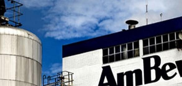 Ambev contrata novos funcionários no país