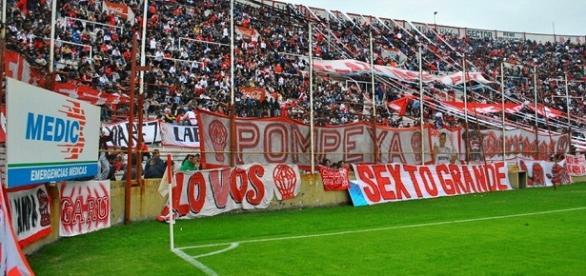 El partido se disputó en el estadio de Huracán