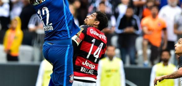 Zagueiro Wallace é titular da defesa do Flamengo