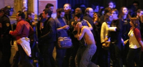 Morte e medo pelos atentados terroristas em Paris
