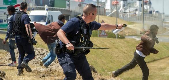 Regularna wojna w porcie Calais.