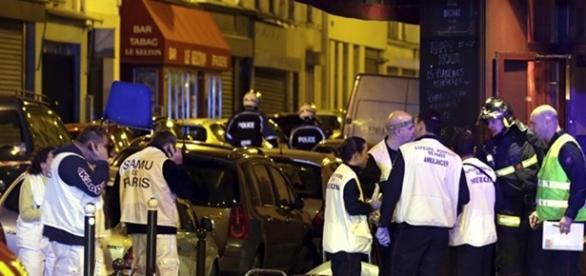 Ataques em Paris deixaram ao menos 128 mortos