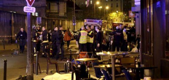 Doi români uciși în atentatele de la Paris