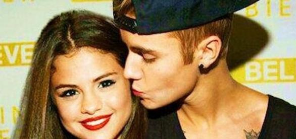 Justin Bieber sente falta de Selena Gomez.