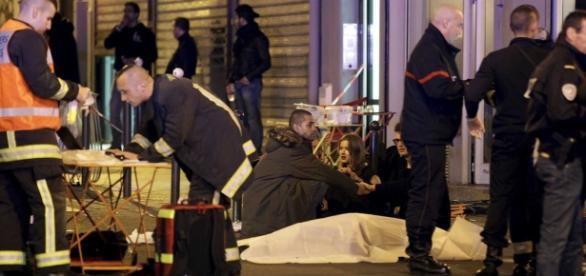Massacre em Paris comove o mundo