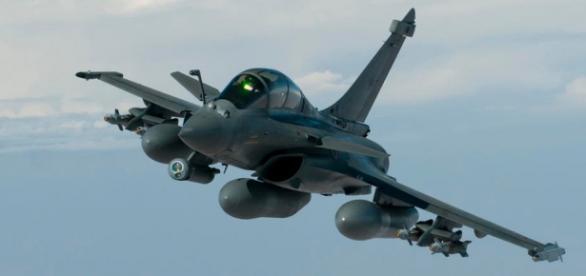Caça Rafale, em missão pela França