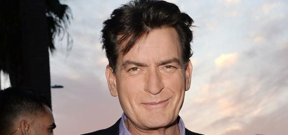 Charlie Sheen está com AIDS e fãs ficam chocados