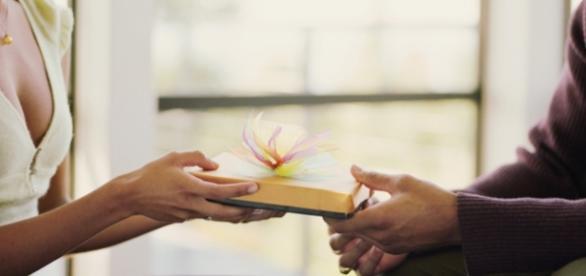 A tradição de dar presentes nas épocas de festas