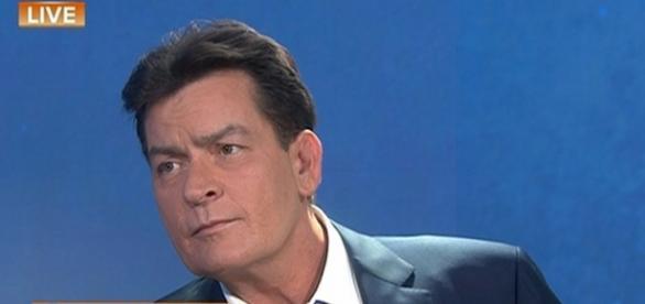Charlie Sheen assume ser soropositivo na NBC