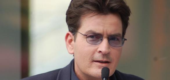 Charlie Sheen em uma foto de Março 2009