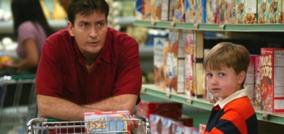 Charlie Sheen recuoaște că este seropozitiv