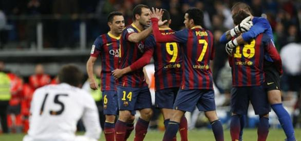 El Barcelona celebra un gol al Real Madrid