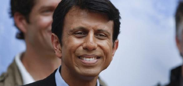 Bobby Jindal abandonou corrida presidencial