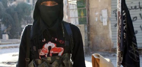 Femeile kamikaze ale Statului Islamic