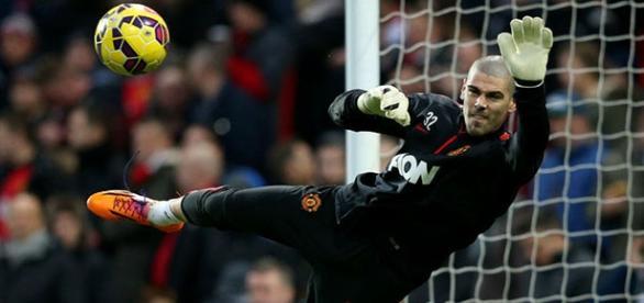 Víctor Valdés, entrenando con el Manchester United